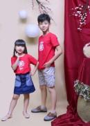 Áo thun đỏ may mắn cho bé