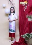 Áo dài bé gái may mắn sen