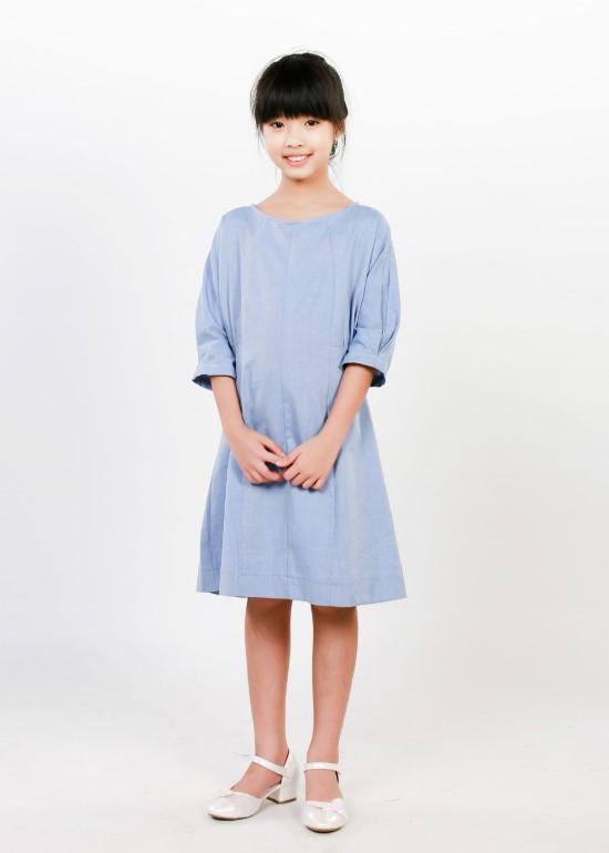 Đầm tay lỡ xếp li ngực xanh biển bé gái