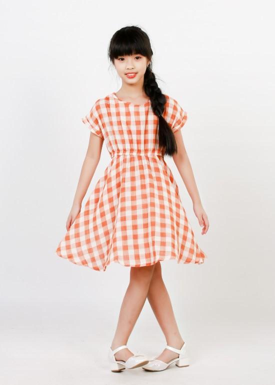 Đầm tay liền lơ vê caro cam bé gái