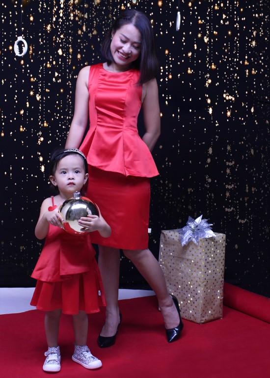 Combo đầm peplum đỏ mẹ và bé