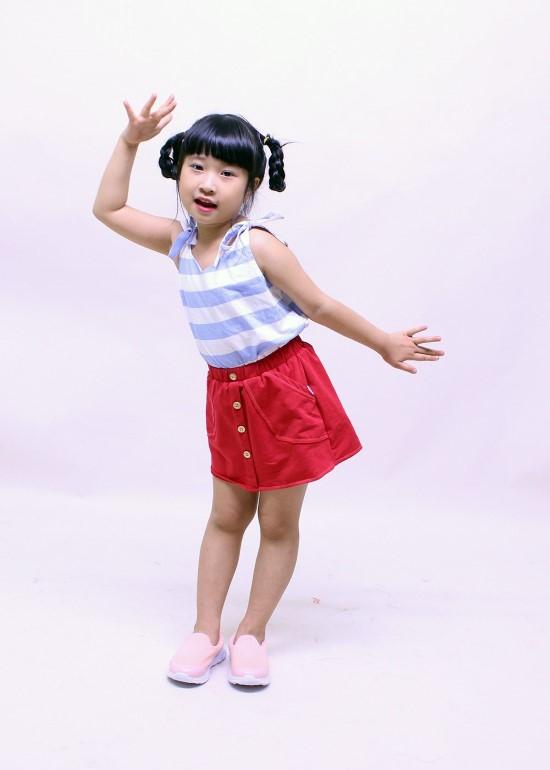 Áo hai dây sọc xanh biển bé gái