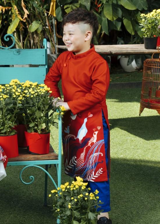 Áo dài giai điệu thiên nhiên đỏ bé trai