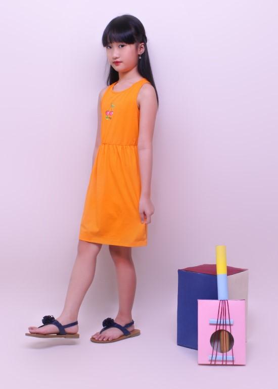 Đầm bé gái khoét lưng thun cam