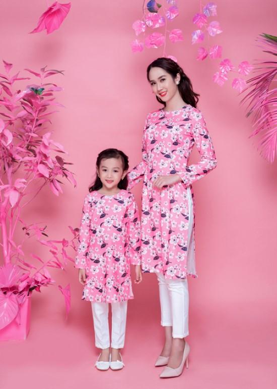 Combo áo dài lụa đào hồng cách tân mẹ và bé
