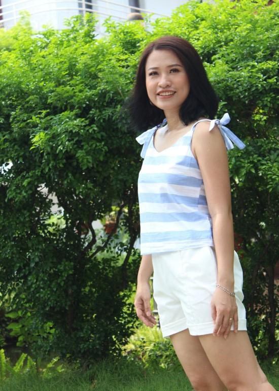 Áo hai dây sọc xanh biển nữ