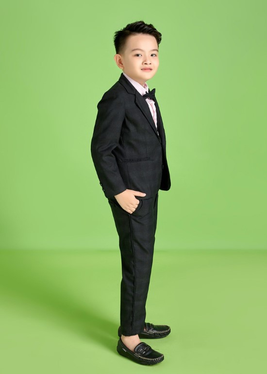 Áo vest caro trắng đen bé trai