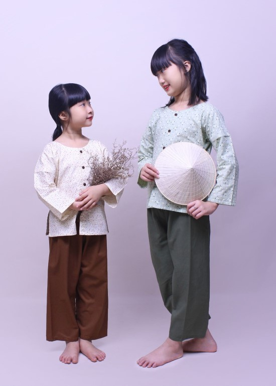 Bộ áo bà ba cho bé hoa xanh lá