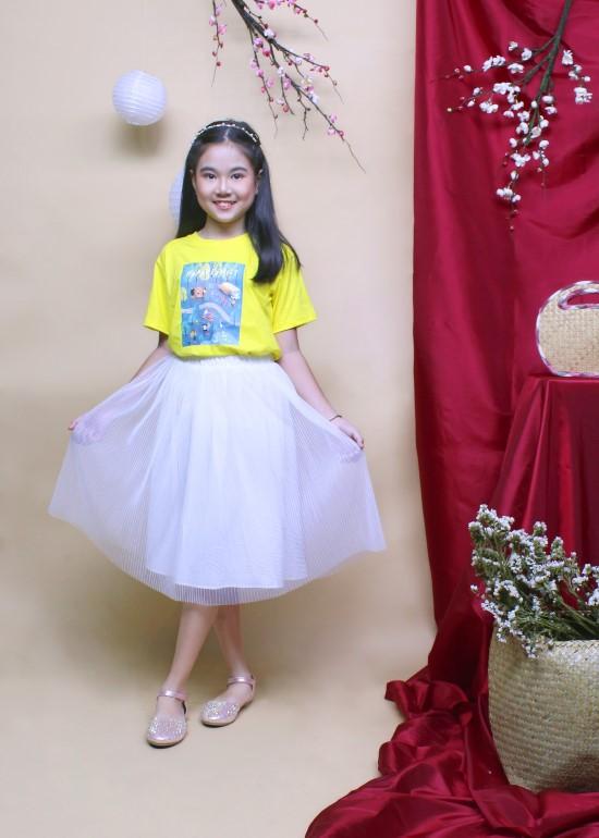 Chân váy tươi sáng bé gái trắng