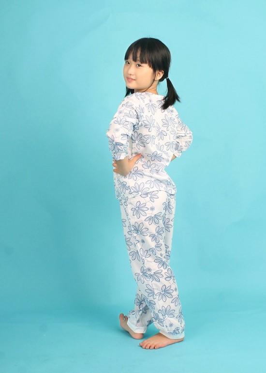 Bộ mặc túi ren ngực hoa xanh nhỏ bé gái