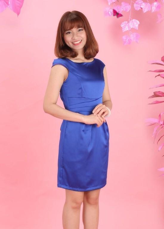 Đầm phi xanh bích xếp li