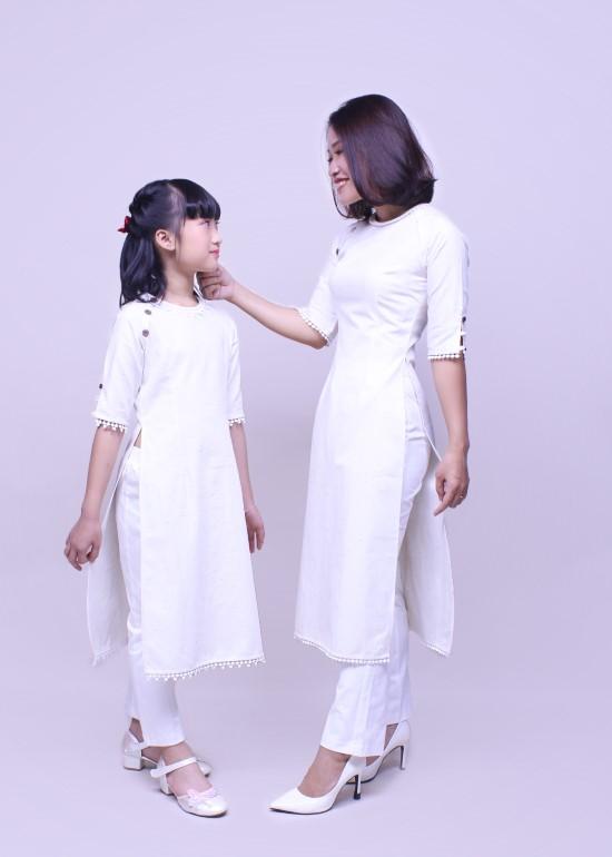 Combo áo dài linen phối trắng mẹ và bé gái