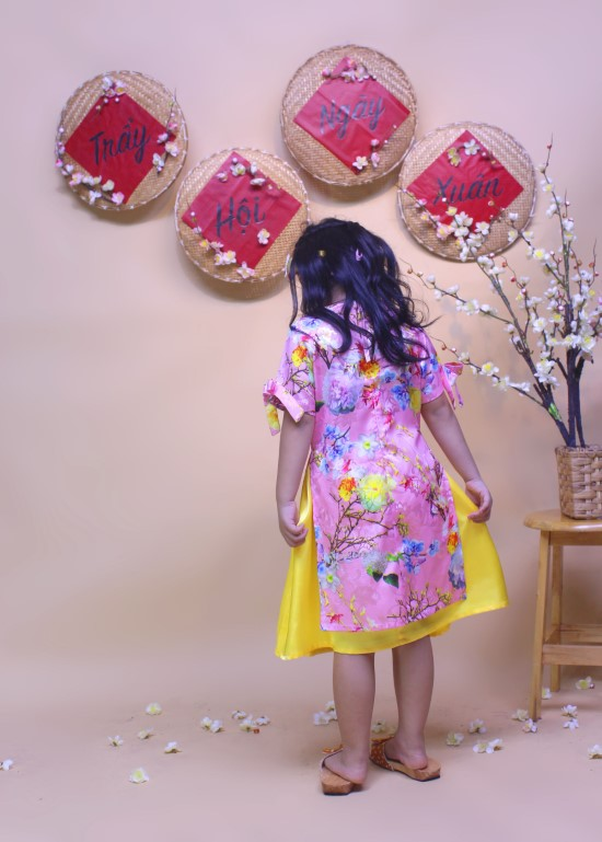 Bộ áo dài hoa xuân khoe sắc hồng