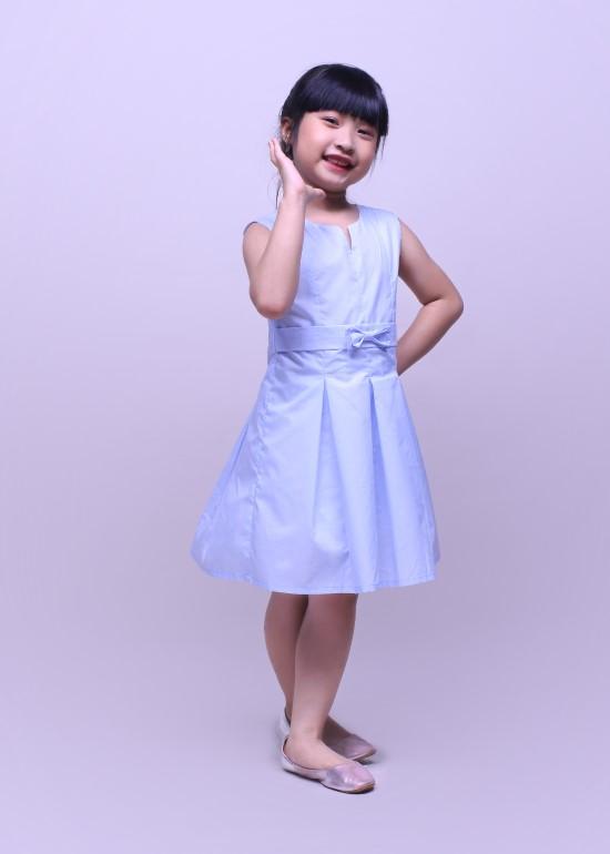 Đầm bé gái cổ chữ V xanh lam