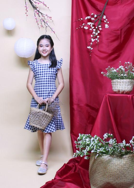 Đầm bé gái chân bèo caro xanh