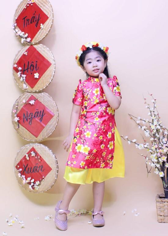 Bộ áo dài hoa mai xinh xắn