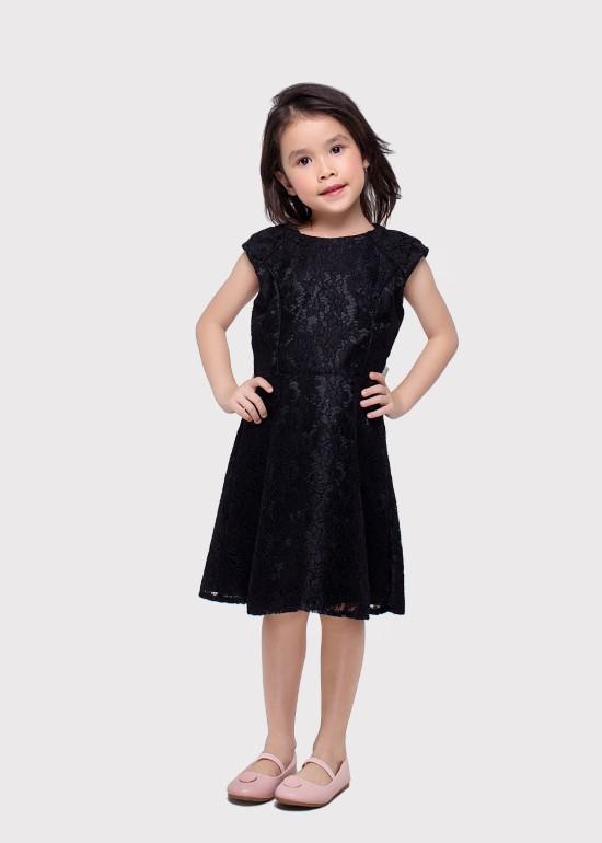 Đầm ren viền cúp ngực đen bé gái