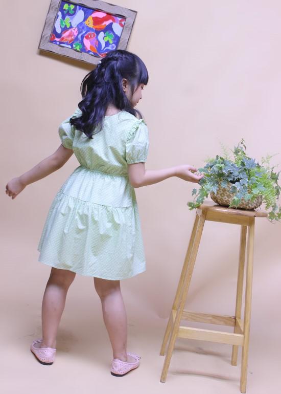 Đầm bé gái tay thun xanh lá