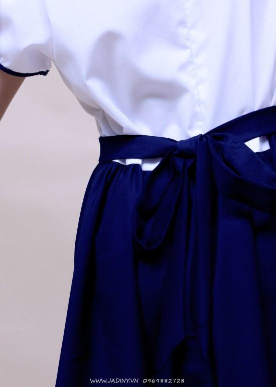 Đầm học sinh nữ cổ sen tay phồng