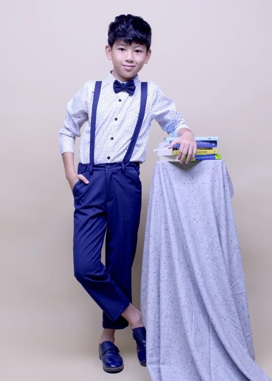 Áo sơmi tay dài bé trai cotton trắng chấm