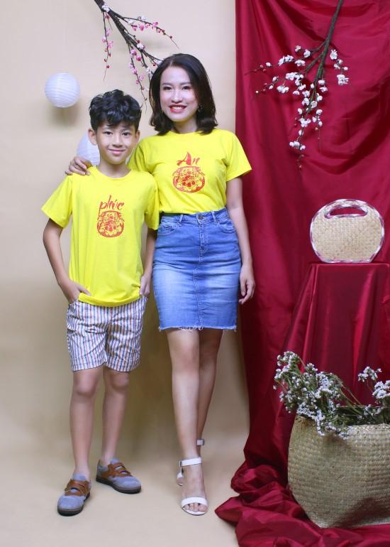 Combo áo thun vàng hạnh phúc mẹ và bé trai