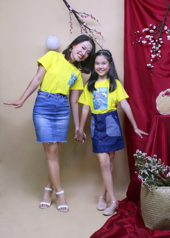 Combo áo thun hình hạnh phúc mẹ và bé gái