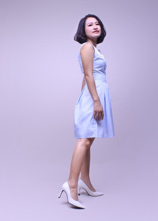 Đầm nữ cổ chữ V