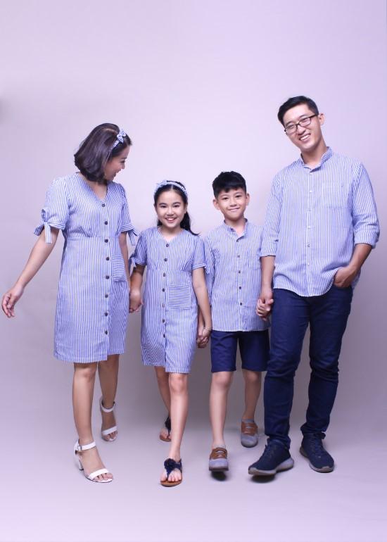 Combo áo sơ mi và đầm cột nơ sọc xanh biển gia đình
