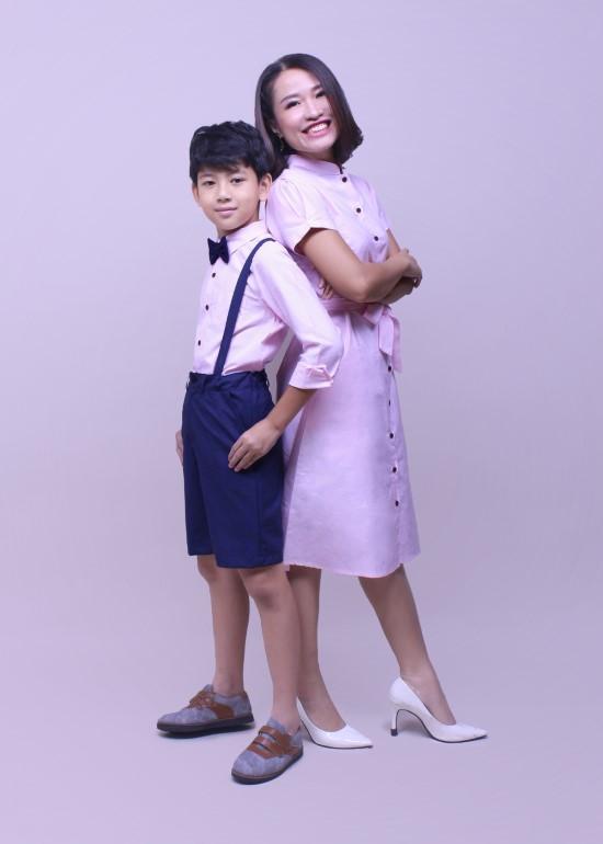 Combo đầm và áo sơ mi vải fo hồng mẹ và bé trai