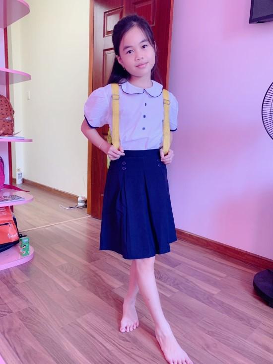 Chân váy học sinh xếp li xòe đính 4 nút GDP028