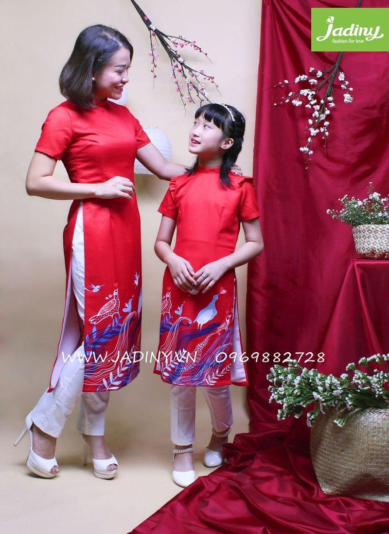 áo dài mẹ và bé gái