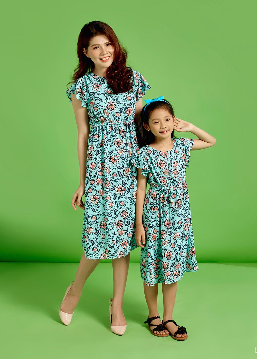 Váy đôi đi biển cho mẹ và bé