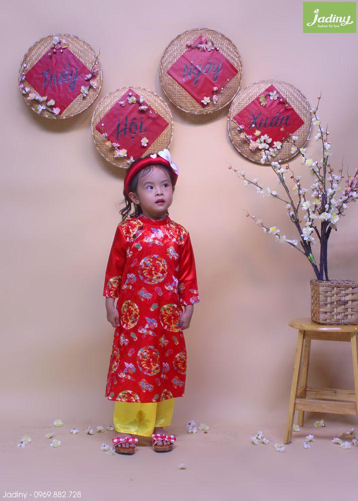 áo dài biểu diễn hội hoa xuân