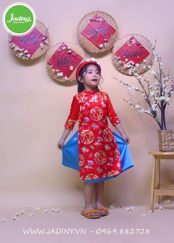 Áo dài gấm cho bé gái đẹp với mấn